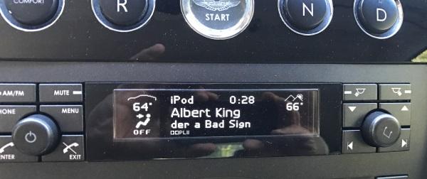 CarPro display song info