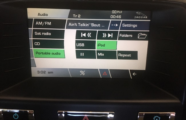 Song info displayed by CarPro
